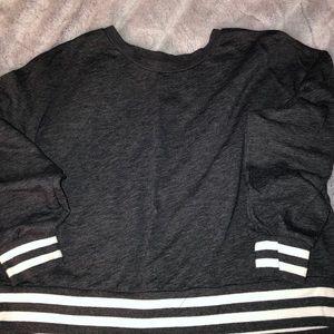 NWOT long sleeved crop sweatshirt size L